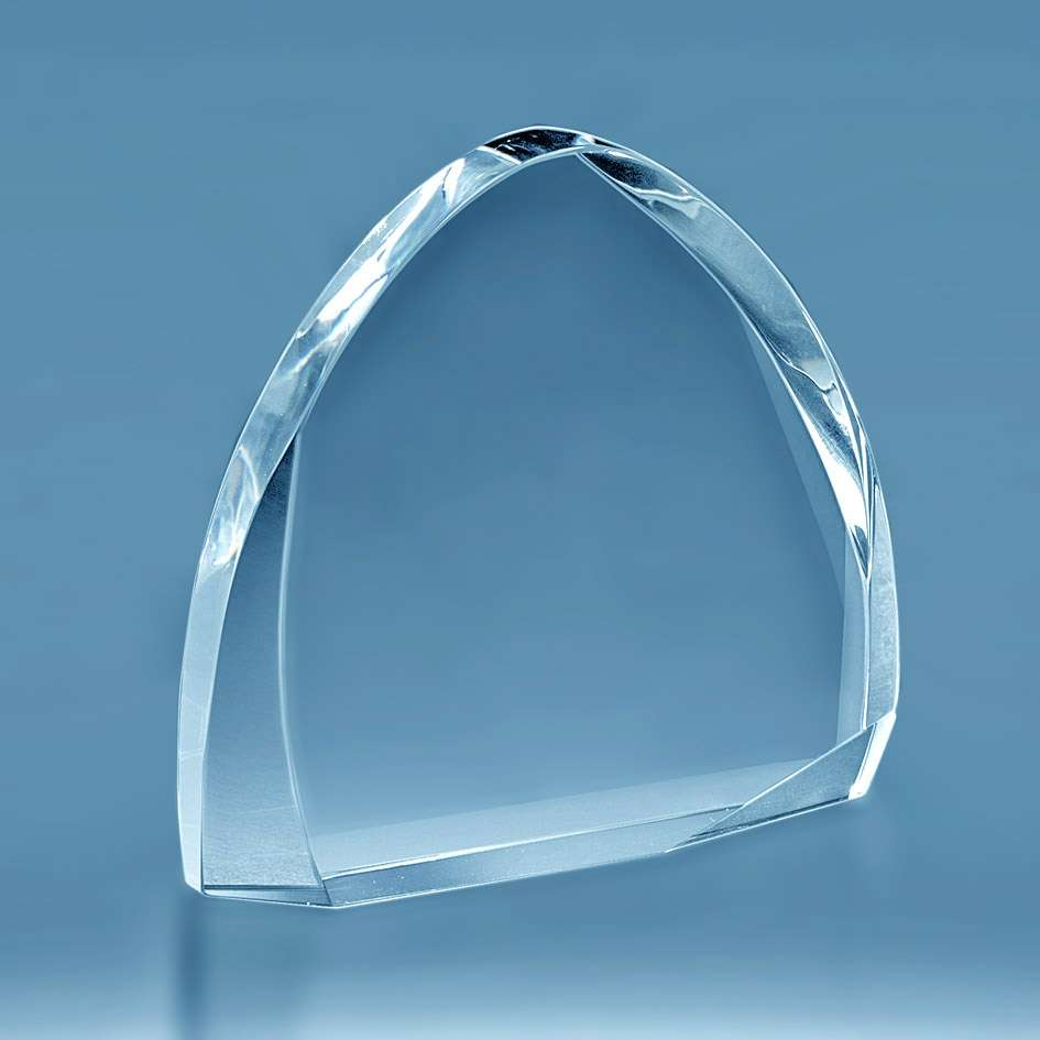 trophee-en-verre-forme-rectangulaire-cisele