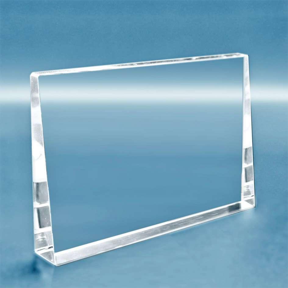 trophee-en-verre-horizontal-forme-rectangulaire-biseautee