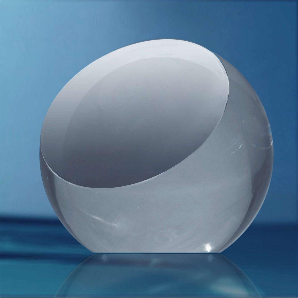 Presse-papier-en-verre-sphere-biseautee