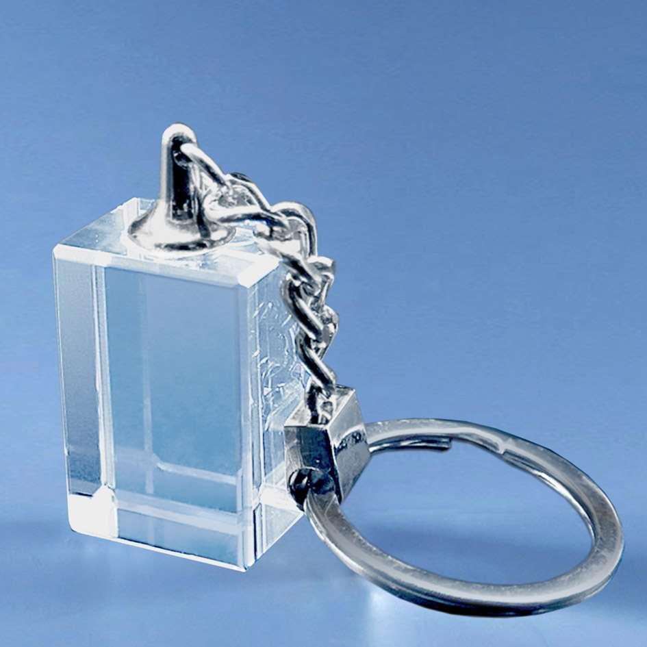 Porte-cles-en-verre-rectangulaire